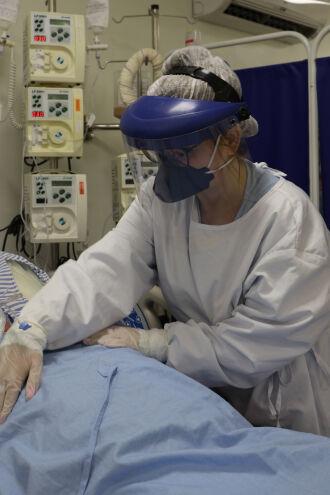 A fisioterapia respiratória pode ser necessária também em casos menos graves - Fotos - Carol Silvestro-HSVP