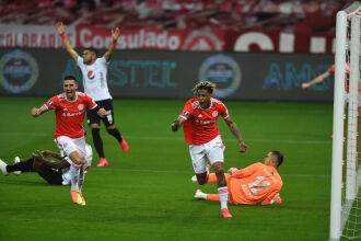 Abel Hernández: gol a 1 minuto - Foto - Ricardo Duarte SCI