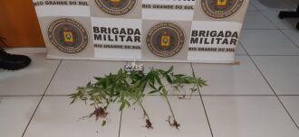 Ação que apreendeu as drogas aconteceu na rua Fagundes dos Reis (Foto: Divulgação/3º RPMon)