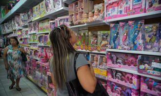 Alguns cuidados devem ser tomados na hora da compra (Foto: Fernando Frazão/Agência Brasil)