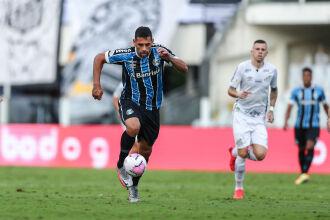 Diego Souza foi o autor do gol gremista na Vila Belmiro (Foto: Lucas Uebel | Grêmio FBPA)