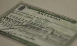 É obrigatória a apresentação de documento oficial com foto (Foto: Marcello Casal Jr./Agência Brasil)