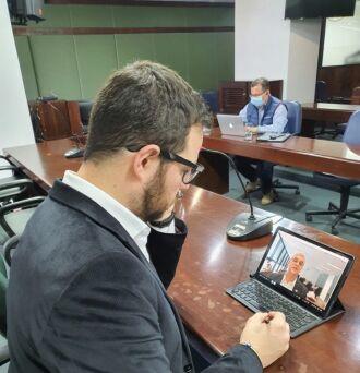 Secretário Marco Aurelio Cardoso participou de reunião realizada por videoconferência (Foto: Luiz Gustavo Machado / ALRS)