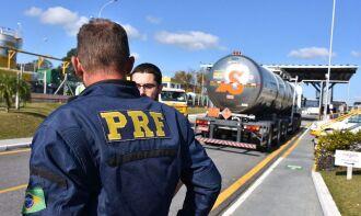Policiais rodoviários federais reforçarão o policiamento ostensivo (Foto: PRF/Divulgação)