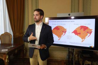 Leite apresentou dados relativos à pandemia (Foto: Itamar Aguiar/Pálacio Piratini