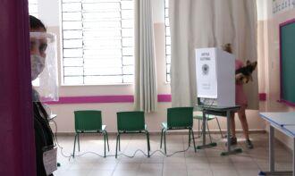 Votação terminou às 17h na maior parte do país (Foto: Rovena Rosa/Agência Brasil)