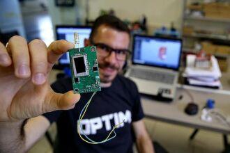 Empresa desenvolve dispositivos que monitoram o consumo de água (Foto: Jéssica França)
