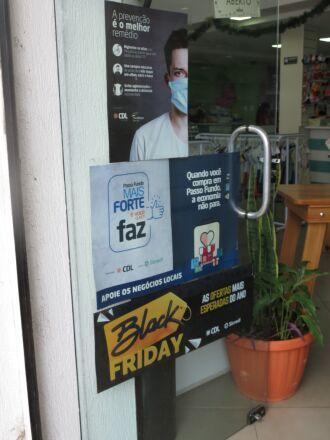 Disponibilização de itens de segurança demonstra preocupação dos lojistas (Foto: Divulgação/CDL)