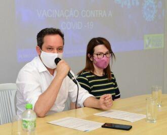 Prefeito Pedro Almeida e a secretária Cristine Pilatti (Foto Diogo Zanatta)