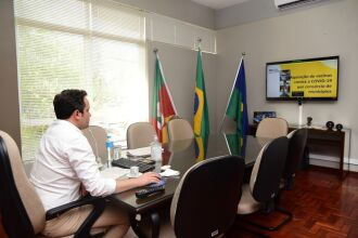 Pedro Almeida participou de reunião sobre o consórcio na segunda-feira (01) (Foto: Divulgação/PMPF)