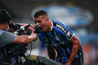 Diego Souza: três gols na noite - Foto – Lucas Uebel-GFBPA