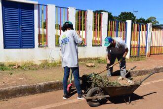 O programa também incentiva pessoas de baixa renda a ingressarem no mercado de trabalho (Foto: Divulgação/PMPF)
