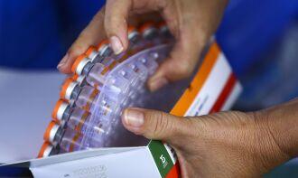 Instituição pretende entregar 46 milhões de doses até o final de abril (Foto: Marcelo Camargo/Agência Brasil)