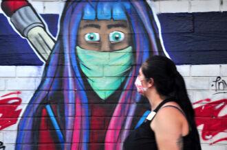 O uso de máscara, hoje indispensável, era raro no começo da pandemia (Foto: Gerson Costa Lopes/ON)