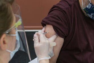 A vacina precisa apenas da aplicação de dose única (Foto: Steven Cornfield/Unsplash)