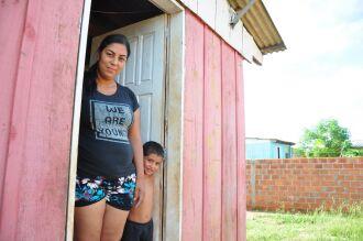 Bolsa Família e outros programas de transferência de renda são os únicos ingressos mensais para a maioria das famílias periféricas.Foto: Gerson Lopes/ON