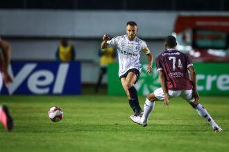 Rafinha estreou com braçadeira de capitão - Lucas Uebel-GFBPA