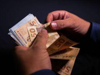 O pagamento será uma parcela única de R$ 800 (Foto: Marcello Casal Jr/Agência Brasil)