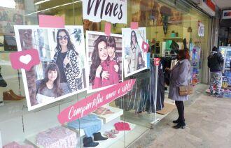 Os estabelecimentos que apresentaram maior alta foram os comércios de confecções de roupas (Foto: Luciano Breitkretiz/Arquivo)