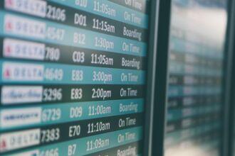 Todos os viajantes internacionais que chegam ao Brasil ficam obrigados a apresentar à companhia aérea o exame RT-PCR (Foto: Matthew Smith/Unsplash)