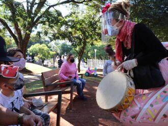 A intervenção é realizada por artistas (Foto: Michel Sanderi/Divulgação)