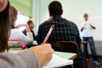 A PGE argumenta que a retomada das atividades presenciais de ensino são objeto de grande repercussão social (Foto: Claudio Fachel/Arquivo/Palácio Piratini)
