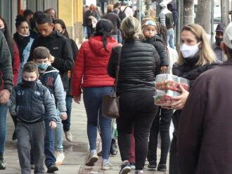 """""""Em geral a população não respeita as medidas de prevenção, como distanciamento social, uso correto de máscaras e higiene das mãos"""", afirma especialista (Foto: Luciano Breitkreitz/ON)"""