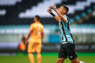 Ricardinho marcou aos 45 minutos - Foto-Lucas Uebel-GFBPA