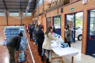 Fraldas foram entregues ao Lar de Idosos Nossa Senhora da Luz (Foto Assessoria de Comunicação HSVP/Caroline Silvestro)