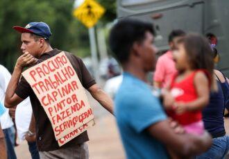 O perfil dos imigrantes residentes nas grandes cidades gaúchas é de homens jovens (Foto: Marcelo Camargo/Agência Brasil)