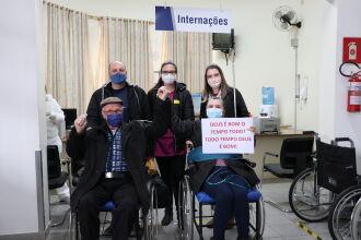 Foto: Família retornou para Ibiraiaras, onde eram esperados com ansiedade (Foto: Assessoria de Comunicação HSVP/Scheila Zang)