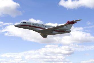 Aeronave Laboratório Legacy 500: aferição para homologação da pista (Foto – Divulgação-FAB)