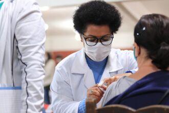Mais de 39,3 mil segundas doses já foram aplicadas (Foto: Michel Sanderi/Divulgação PMPF)