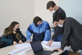 Equipe realiza diversas atividades, como, por exemplo, a execução de projetos (Fotos: Leonardo Andreoli/UPF)