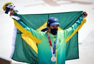 Kelvin Hoefler ficou com a prata no skate street, sendo o primeiro brasileiro a ganhar medalha nesta edição dos Jogos (Foto: Jonne Roriz/COB)