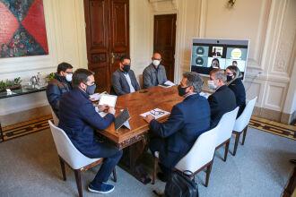 Definição da verba ocorreu em reunião entre o governador, representantes dos Coredes e equipe da SPGG (Foto: Gustavo Mansur/Palácio Piratini)