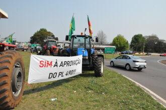 Agricultores e entidades representativas realizaram protestos em diferentes pontos (Foto: Luciano Breitkreitz/ON)
