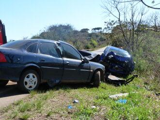 Acidente envolveu veículos com placas de Nova Bassano e Passo Fundo (Foto: Luciano Breitkreitz/ON)