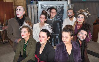 A peça conta com dez artistas no elenco e intérprete de Libras (Foto: Gerson Lopes/ON)
