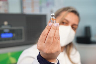 Segundo a SES, 39% dos moradores completaram o esquema vacinal. Foto: Michel Sanderi/PMPF