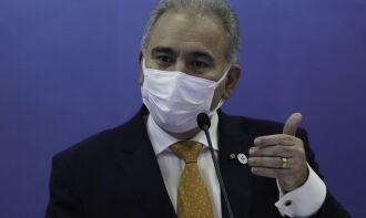 O ministro da Saúde, Marcelo Queiroga, disse que uma série de motivos pesaram a revisão da recomendação (Foto: Fábio Rodrigues Pozzebom/Agência Brasil)