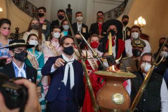 A extinção da chama marca o encerramento dos Festejos deste ano (Foto: Itamar Aguiar/ Palácio Piratini)