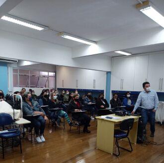 A atividade foi ministrada pelo enfermeiro Rodrigo Casarin (Foto: Divulgação/HCPF)