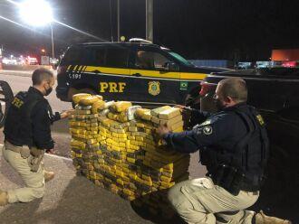 Passo-fundense conduzia a caminhonete com a droga - Foto Divulgação PRF