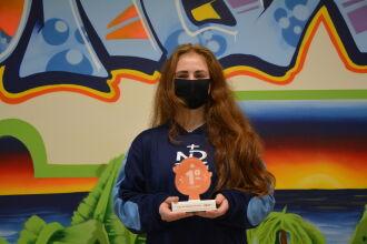 Emanuelle dos Passos Cunert, alcançou o topo do ranking considerado como a maior competição nacional de leitura (Foto: Comunica ND)