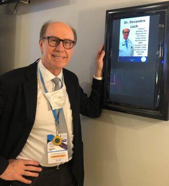 Osvandré Lech no Congresso Latino-Americano de Cirurgia do Ombro, em Quito, no Equador (Foto: Divulgação)