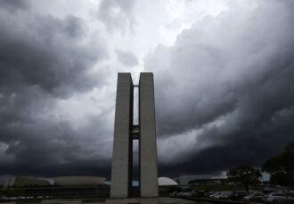 Clima tenso em Brasília repercute na vida do cidadão