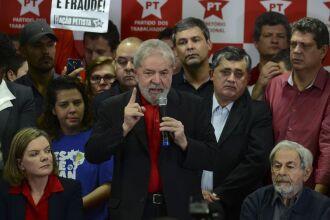 Ex-presidente Luiz Inácio Lula da Silva dá entrevista coletiva sobre a condenação por corrupção pelo juiz federal Sérgio Moro