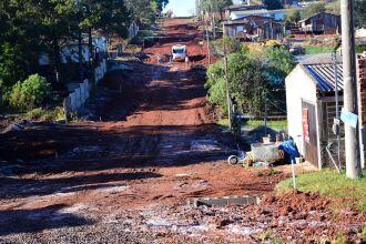 Rua Esmeralda está com obras de base para o asfalto