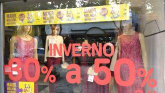 ?? possível identificar as lojas participantes por meio do banner da CDL exposto na vitrine